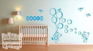 Vinilo decorativo infantil ositos de peluche con globos + nombre personalizado.