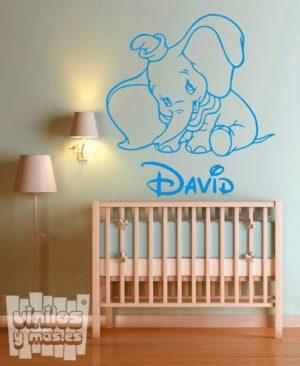 Vinilo decorativo de Dumbo baby + nombre personalizado. Pelicula Disney