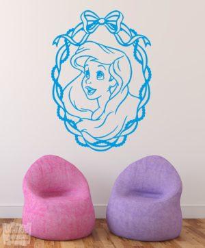 Vinilo decorativo de la princesa Ariel de la película La sirenita, películaDisney.
