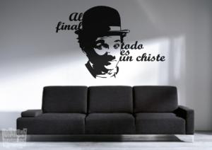 Vinilo decorativo frase de Charles Chaplin , al final todo es un chiste