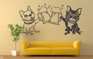 Vinilo decorativo Bulldogs Francés brindando con cerveza