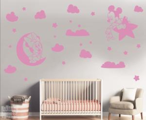 Vinilo decorativo conjunto minnie y mickey + nubes
