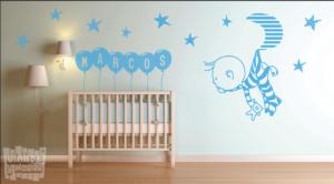 Vinilo decorativo conjunto niño, luna y estrellas + nombre en globos