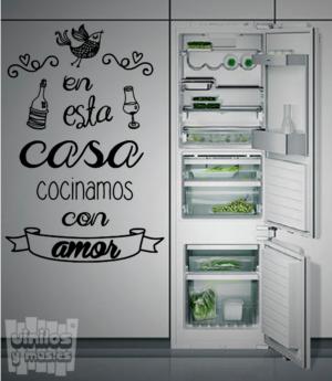 Vinilo decorativo: En esta casa cocinamos con amor