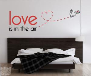Vinilo decorativo Love is in the air