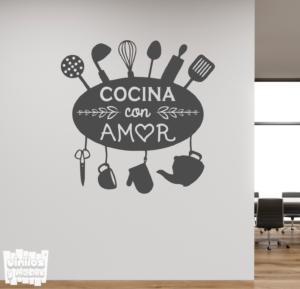 Vinilo decorativo frase: cocina con amor.